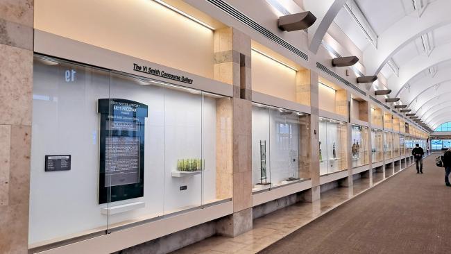 Hot Glass/OC exhibit in Vi Smith Gallery